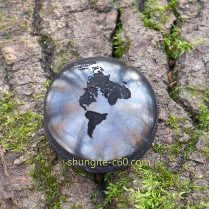 pendant earth made of shungite
