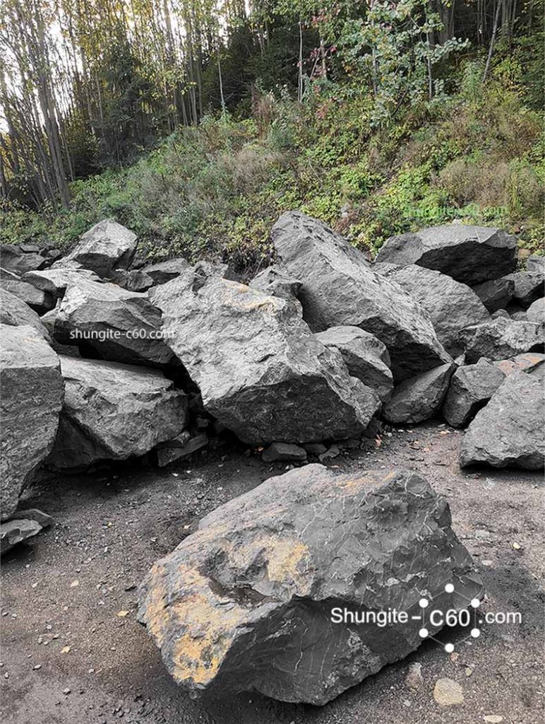 Large boulders karelian black rock for the manufacture of products