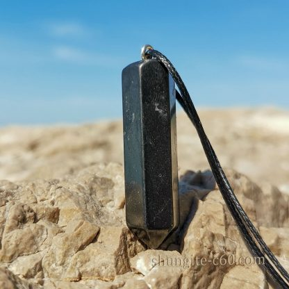 shungite crystals necklace from russia